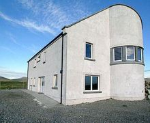 Snaptrip - Holiday lodges - Tasteful All Outer Hebrides Lodge S22892 -