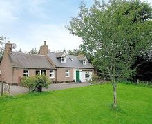 Snaptrip - Last minute cottages - Cosy Ballater Cottage S22906 -