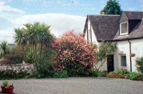 Snaptrip - Last minute cottages - Quaint Appin Cottage S22974 -