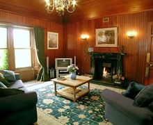 Snaptrip - Last minute cottages - Quaint Lochgilphead Cottage S23069 -