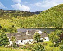 Snaptrip - Last minute cottages - Tasteful Oban Cottage S23101 -