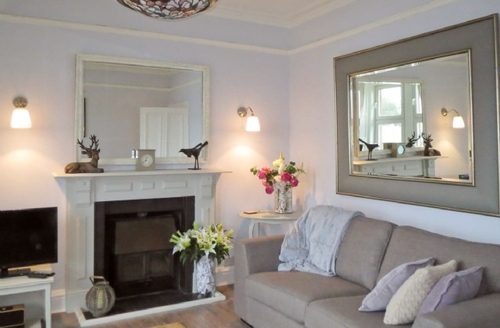 Snaptrip - Last minute cottages - Captivating Oban Apartment S23137 -