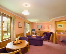 Snaptrip - Last minute cottages - Charming Oban Cottage S23150 -