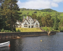Snaptrip - Last minute cottages - Beautiful Crianlarich Lodge S23262 -