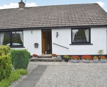Snaptrip - Last minute cottages - Quaint Crieff Cottage S23380 -