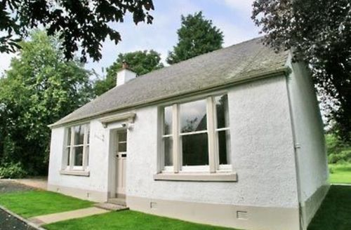 Snaptrip - Last minute cottages - Cosy Edinburgh Cottage S23445 -