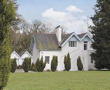 Snaptrip - Last minute cottages - Captivating Ayr Cottage S23473 -