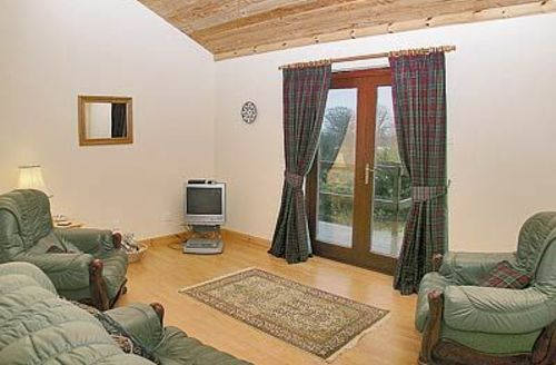 Snaptrip - Last minute cottages - Gorgeous Glasgow Lodge S23542 -