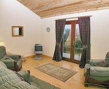 Snaptrip - Last minute cottages - Gorgeous Glasgow Lodge S23542 -