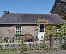 Snaptrip - Last minute cottages - Tasteful Annan Cottage S23570 -
