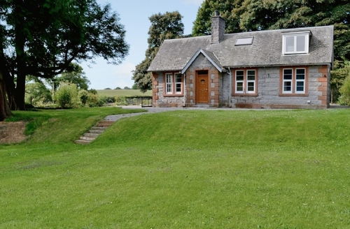 Snaptrip - Last minute cottages - Splendid Dalbeattie Lodge S23606 -