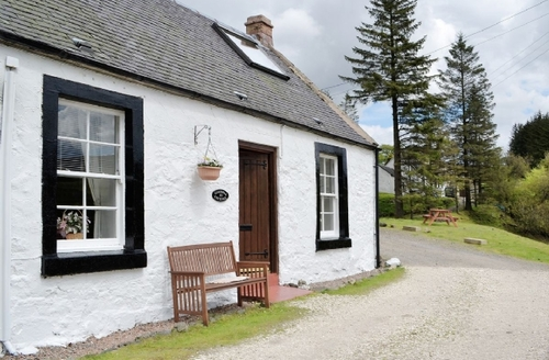 Snaptrip - Last minute cottages - Adorable Dumfries Cottage S23616 -