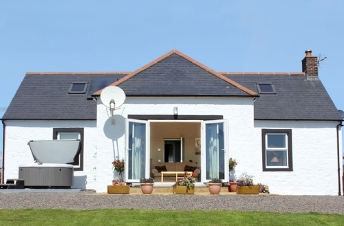 Snaptrip - Last minute cottages - Stunning Dumfries Cottage S23642 -