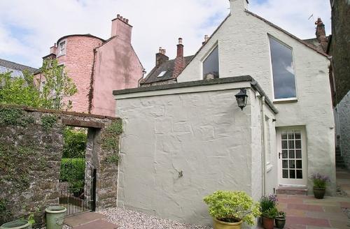 Snaptrip - Last minute cottages - Exquisite Kirkcudbright Cottage S23650 -