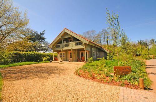 Snaptrip - Last minute cottages - Quaint Taunton Lodge S1955 - Woodpecker Lodge provides the perfect place