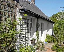 Snaptrip - Last minute cottages - Quaint Duns Cottage S23761 -
