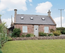 Snaptrip - Last minute cottages - Adorable Eyemouth Cottage S23790 -