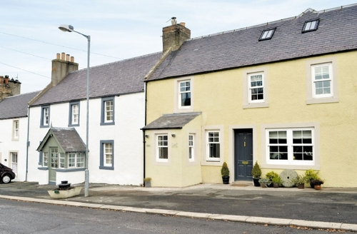 Snaptrip - Last minute cottages - Delightful Kelso Cottage S23810 -