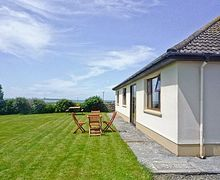 Snaptrip - Last minute cottages - Cosy Quilty Cottage S23865 -