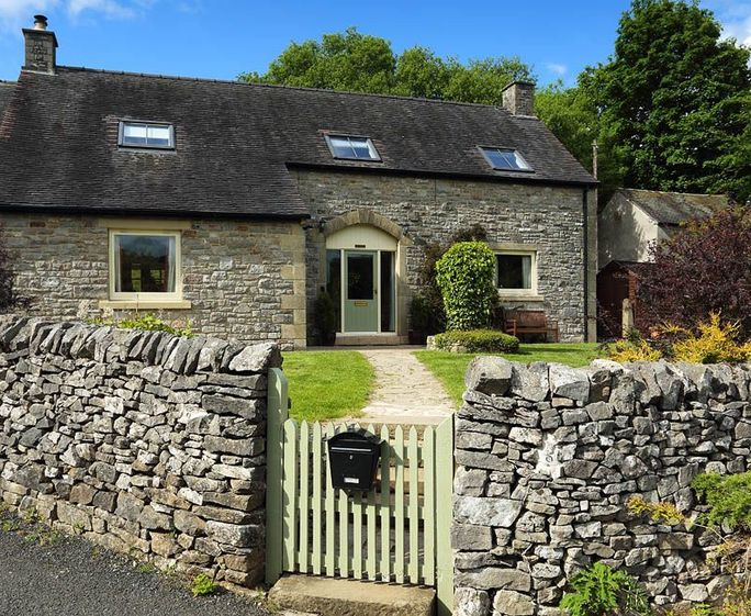 Valley View Large holiday cottage sleeps 13+2 in 6 bedrooms