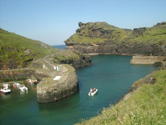 Boscastle Holidays Boscastle spectacular harbour
