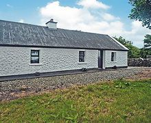 Snaptrip - Last minute cottages - Exquisite Letterfrack Cottage S23967 -