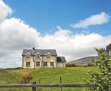 Snaptrip - Last minute cottages - Adorable Dingle Cottage S23998 -