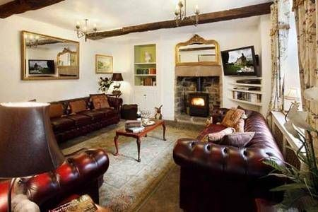 Elton Old Hall c1668 Impressive sitting room only at 5* Elton Old Hall