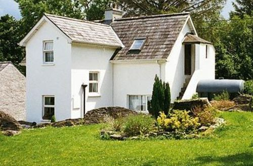 Snaptrip - Last minute cottages - Exquisite Kenmare Lodge S24015 -