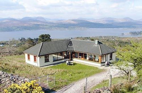 Snaptrip - Last minute cottages - Stunning Kenmare Cottage S24018 -