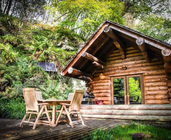 Shank Wood Log Cabin Log cabin with hot tubs