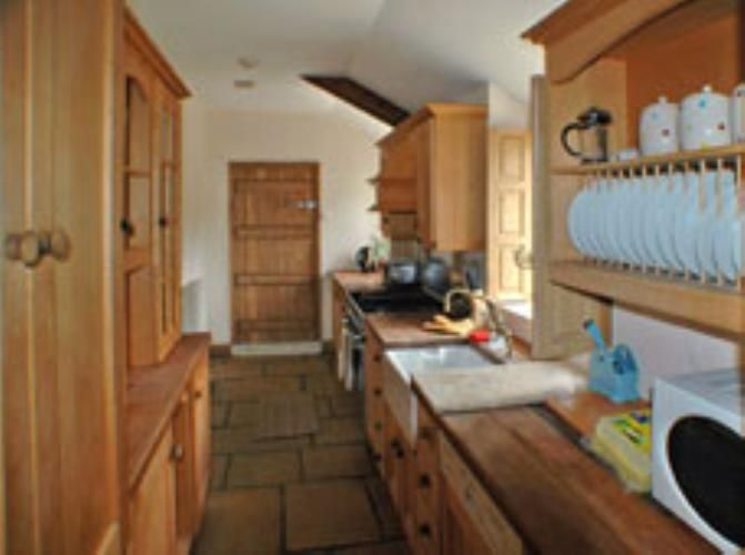 Craig y nos farmhouse s99492 craig y nos farmhouse penycae powys last minute cottages
