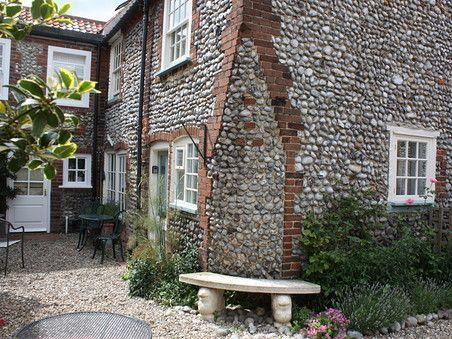 Blakeney Hideaways - Anchor Cottage