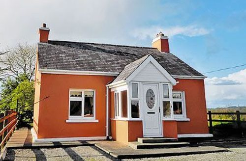 Snaptrip - Last minute cottages - Luxury Killarney Cottage S24040 -