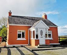 Snaptrip - Last minute cottages - Luxury Killarney Cottage S24040 -