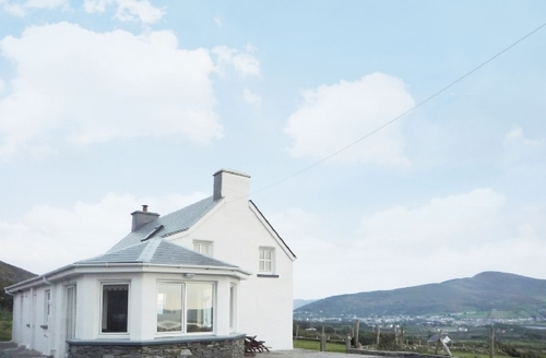 Snaptrip - Last minute cottages - Inviting Portmagee Cottage S24062 -
