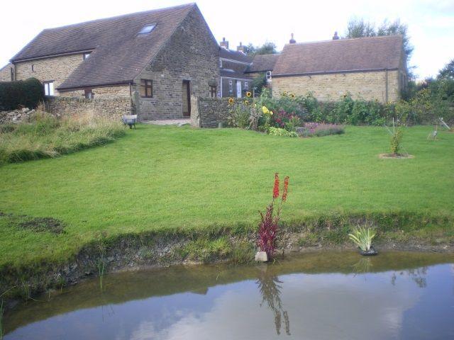 The Swallows & The Robins at Cowclose Barn Cowclose Barn - The Swallows and The Robins
