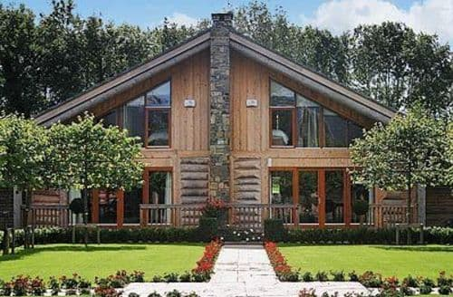 Snaptrip - Last minute cottages - Wonderful Naas Lodge S24069 -