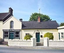 Snaptrip - Last minute cottages - Superb Callan Cottage S24071 -