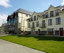 Snaptrip - Last minute cottages - Exquisite Carrick On Shannon Apartment S24084 -