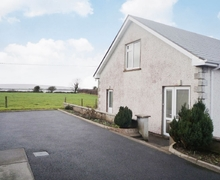 Snaptrip - Last minute cottages - Wonderful Claremorris Apartment S24095 -