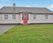 Snaptrip - Last minute cottages - Beautiful Inishcrone Cottage S24123 -
