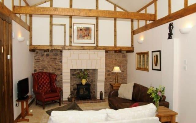 Little Barton @ East Barton Living Room
