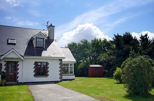 Snaptrip - Last minute cottages - Inviting Fethard On Sea Cottage S24202 -