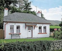 Snaptrip - Last minute cottages - Attractive Avoca Cottage S24232 -