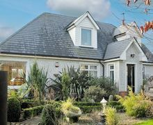 Snaptrip - Last minute cottages - Splendid Rathdrum Cottage S24240 -