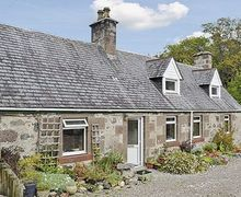 Snaptrip - Holiday cottages - Inviting Lochinver Cottage S24354 -
