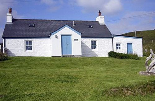 Snaptrip - Last minute cottages - Stunning Melvich Cottage S24362 -