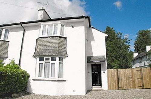 Snaptrip - Last minute cottages - Superb Bowness On Windermere Cottage S24411 -