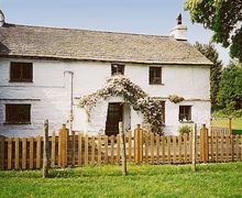 Snaptrip - Holiday cottages - Tasteful Bowness On Windermere Cottage S24421 -